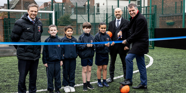 Metro Mayor opens new 4G pitch for Walton school