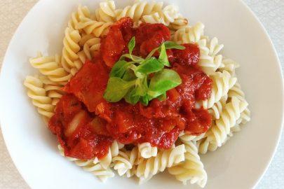 pasta-noodles-tomato-sauce-spirelli-14737