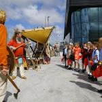 The schoolchildren loved the Vikings